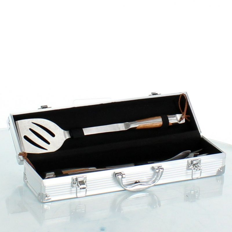 Cased set of 3 barbecue accessories