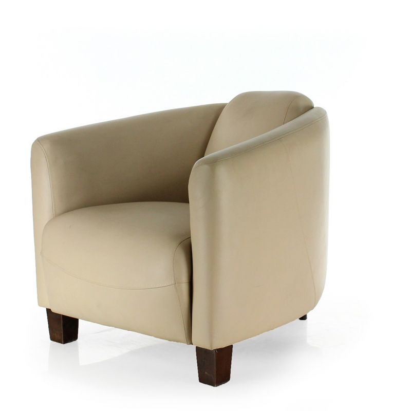 fauteuil club cuir beige op ra saulaie. Black Bedroom Furniture Sets. Home Design Ideas