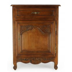 Valmont cabinet