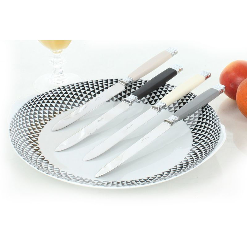 Black Chalet table knives, 6