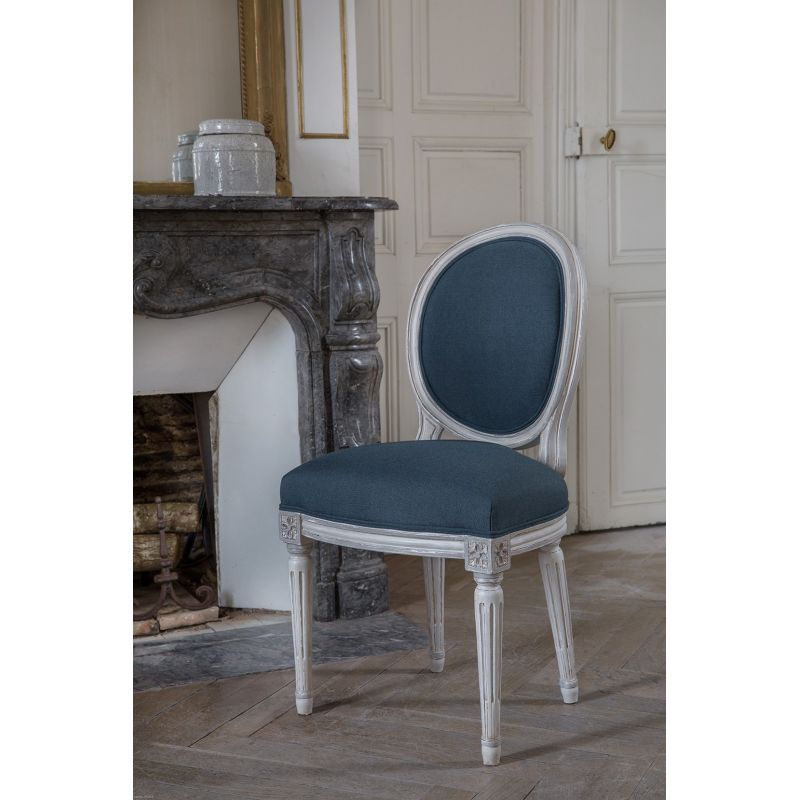 maison du monde chaise louis amazing light blue and white dining room with the mauricette blue. Black Bedroom Furniture Sets. Home Design Ideas