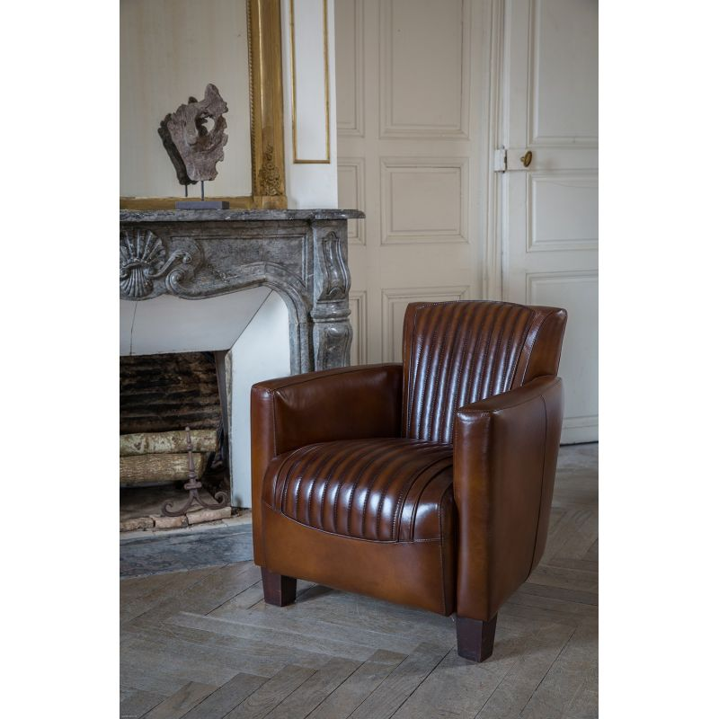 fauteuil club cuir marron vintage alma sport saulaie. Black Bedroom Furniture Sets. Home Design Ideas