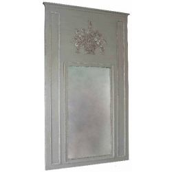 Overmantel mirror with Basket